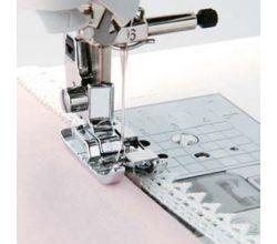 Patka se středovým vodičem pro šicí stroje do 7 mm