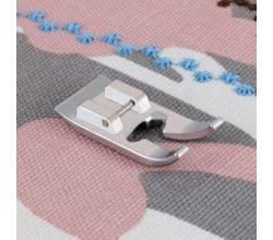 Patka pro šití ozdobných stehů 7 mm Brother NF068