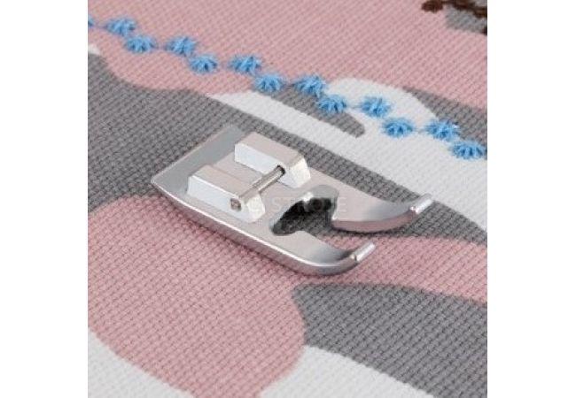 Patka pro šití ozdobných stehů 7 mm Brother F068